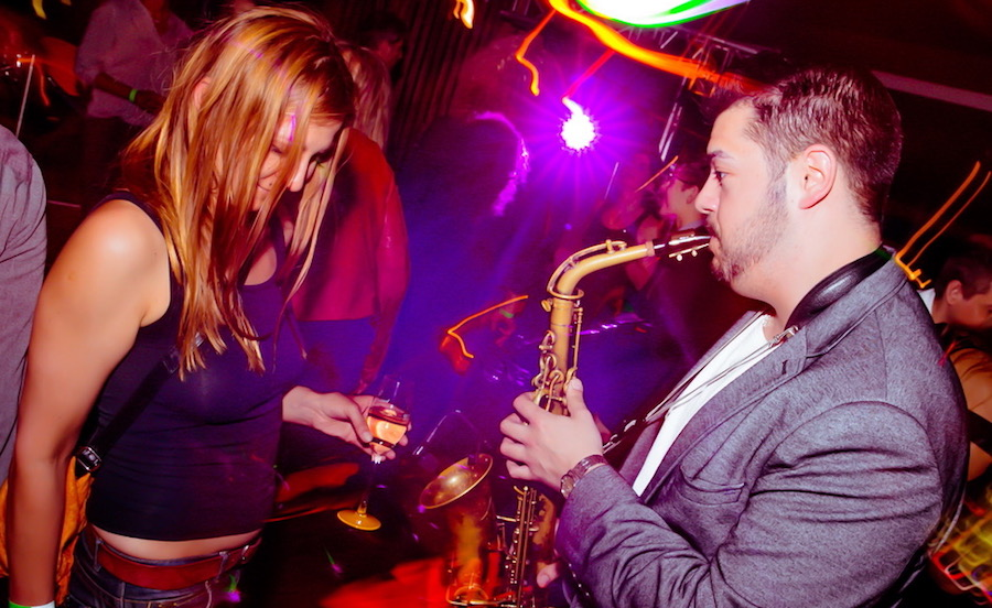 AFTER WORK DANCE 20th Europa Center Berlin Concierge Gerry Saxophone Saxofon Live Fotograf Bilder Adrian 13860991